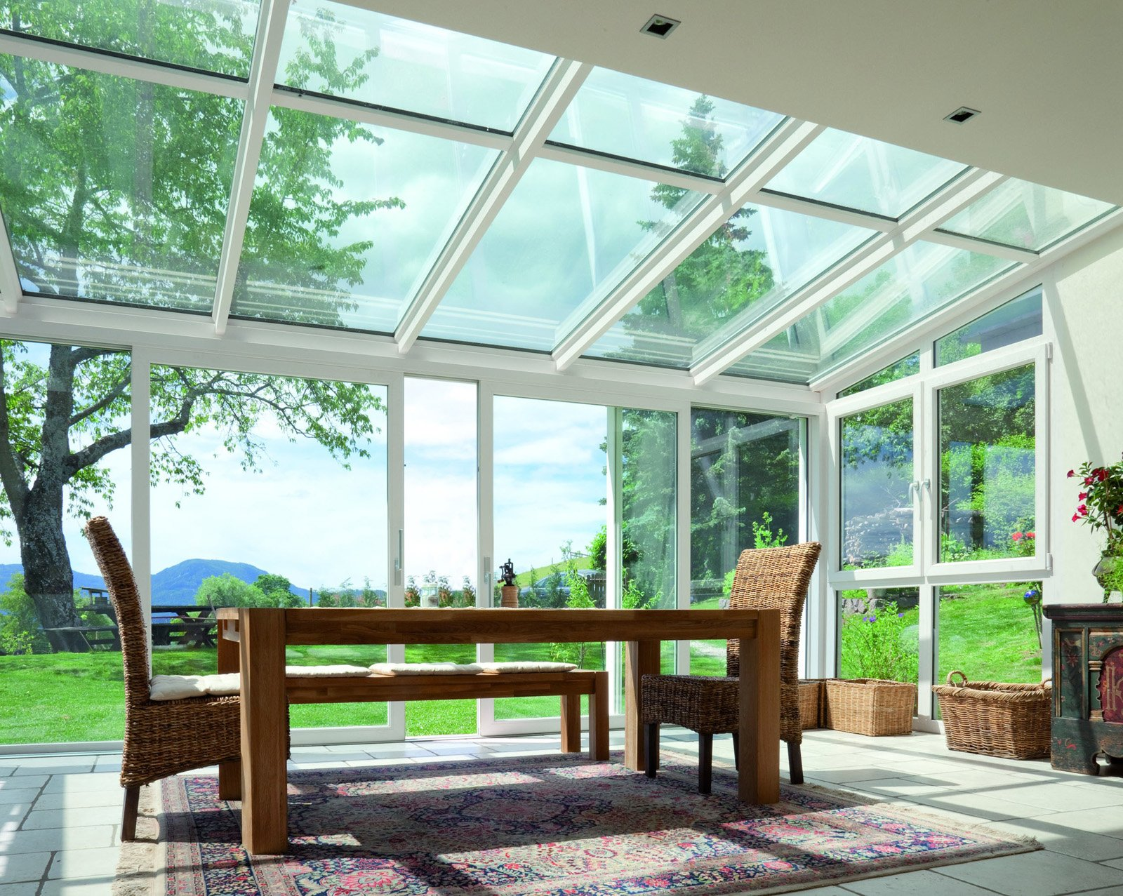 Finestre tipi di apertura cose di casa for Finestre a soffitto