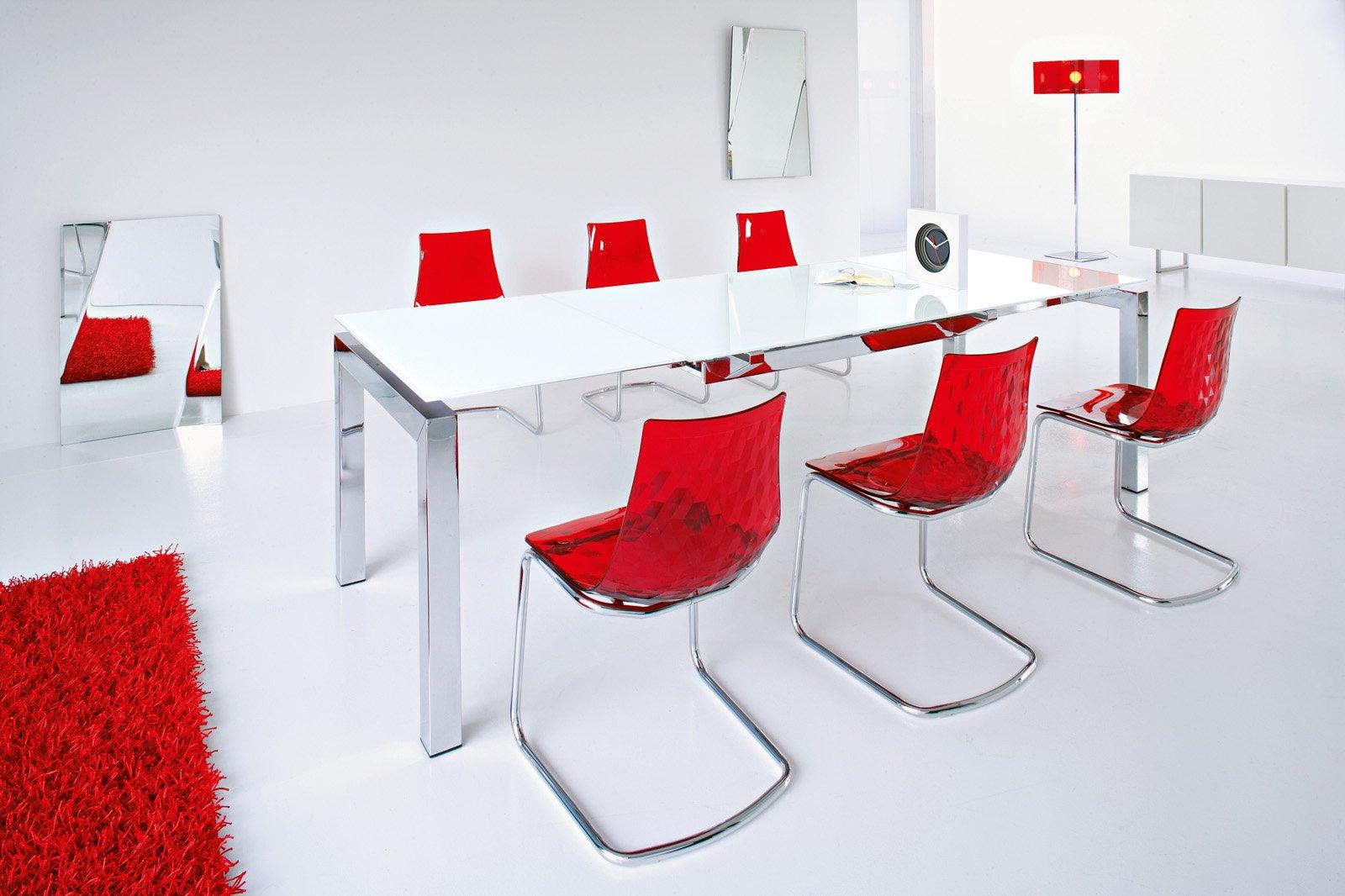 Ravviviamo con il rosso cose di casa for Tavolo cristallo ikea