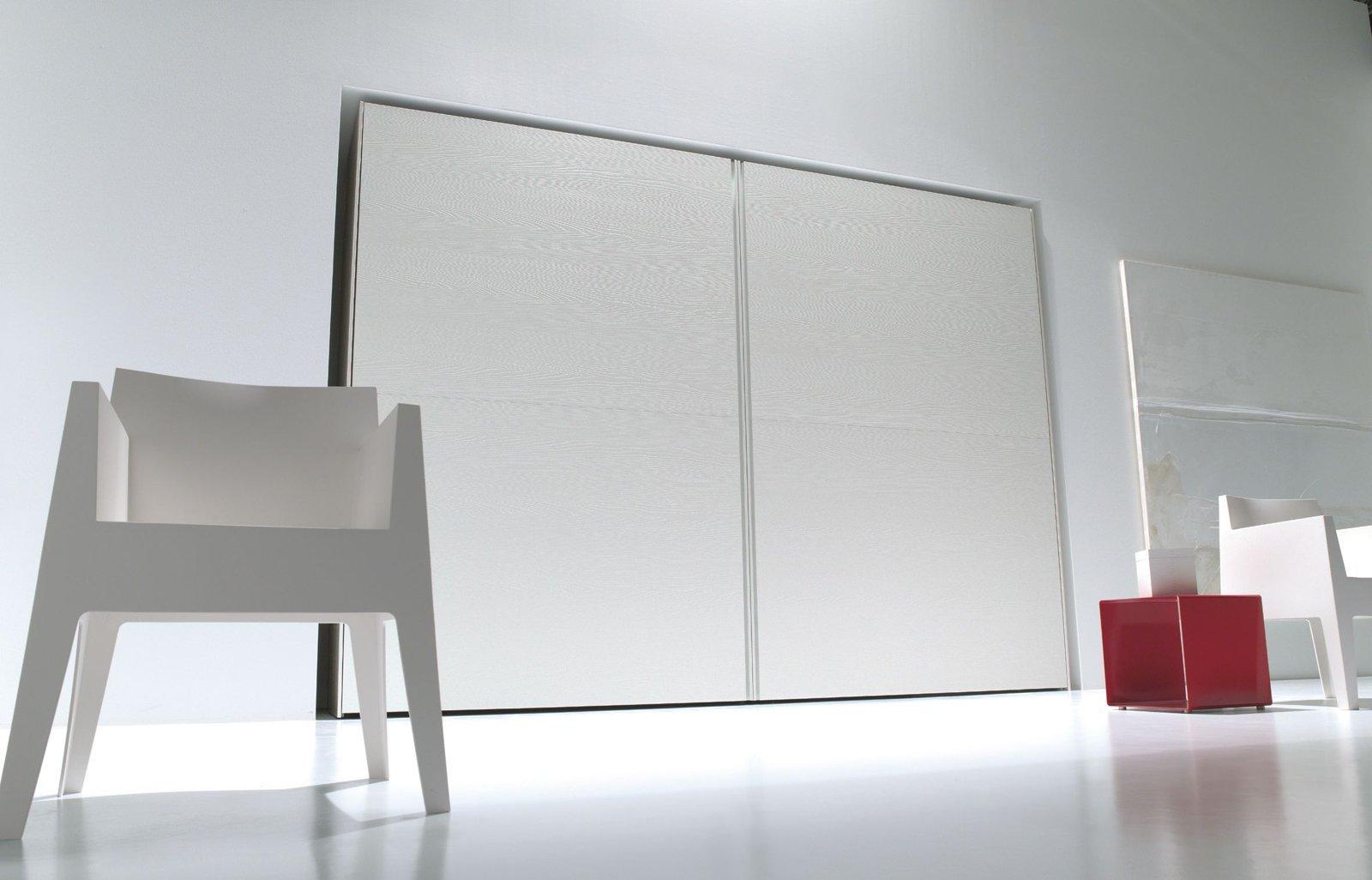 Armadi lo stile organizza lo spazio cose di casa for Armadio serenissima con tv prezzo