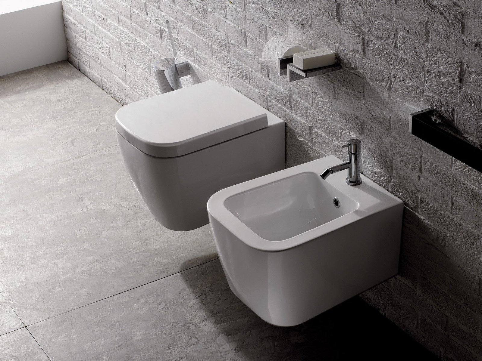 Soluzioni per il bagno piccolo cose di casa for Produttori sanitari bagno