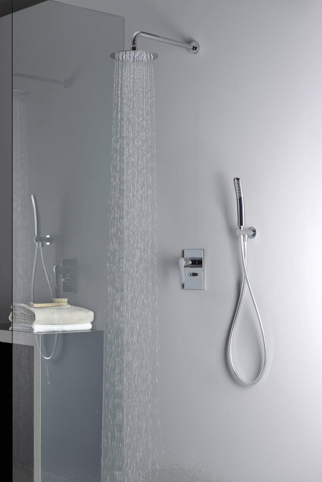 Risparmiare acqua ecco i rubinetti giusti cose di casa - Doccia con tubi esterni ...