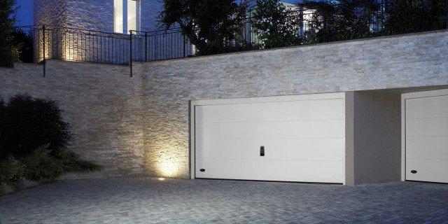 Portoni A Due Ante Per Garage Usato.Portoni Per Box E Garage Cose Di Casa