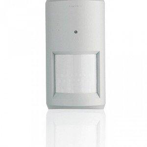 Il sensore volumetrico DomusTech di Abb ha una portata  di 12 metri. Si adegua automaticamente alle variazioni delle condizioni ambientali; prezzo da rivenditore. www.abb.it