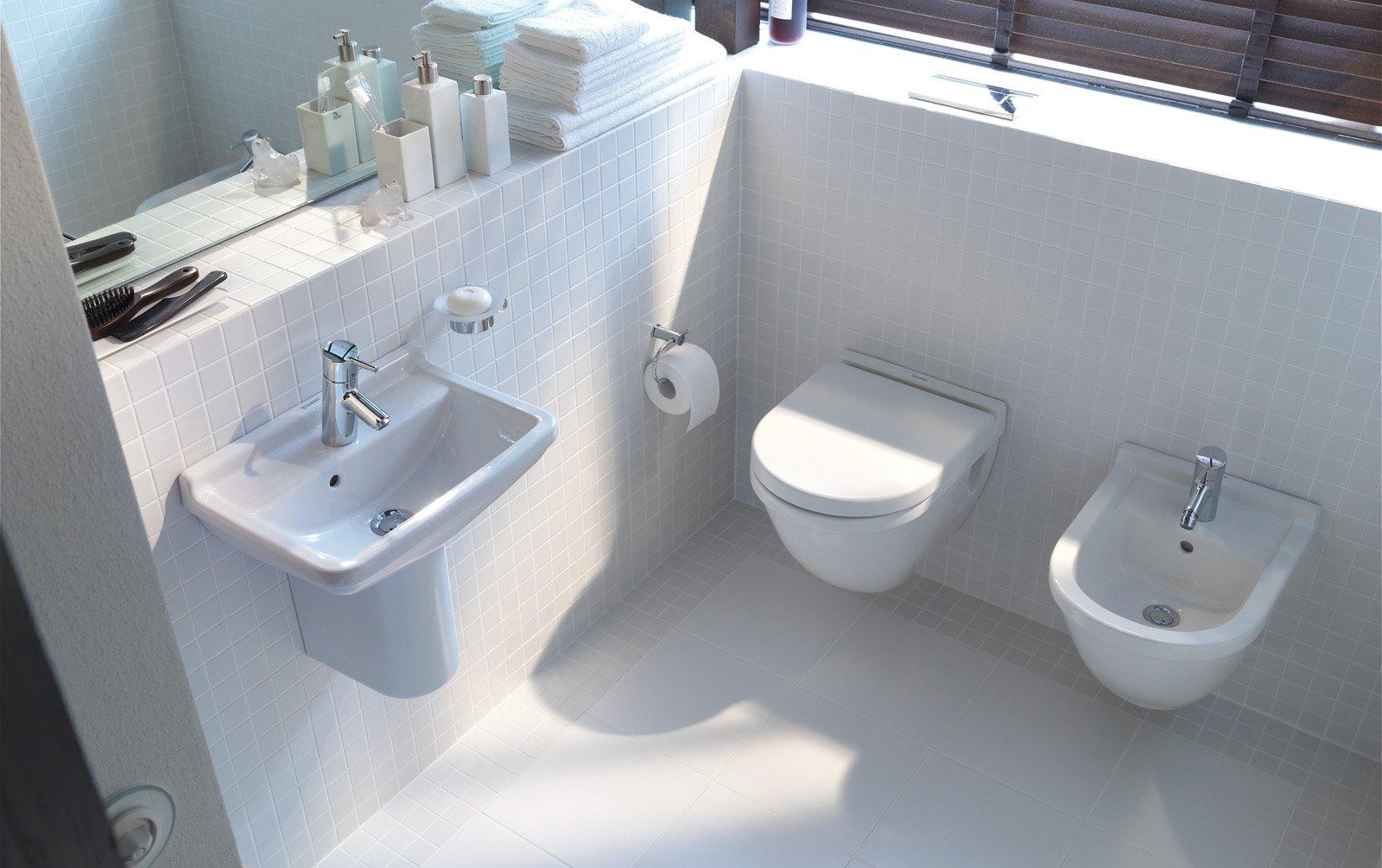 Ristrutturare il bagno 10 informazioni utili cose di casa - Come sbiancare i sanitari del bagno ...