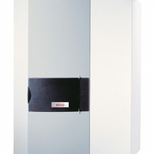 Thision S di Elco è il modello a condensazione da 9,8 kW che si regola in base alla temperatura esterna e permette rendimenti superiori al 109%. Misura L 54 x P 36,1 x H 76 cm. Prezzo 4.172 euro. www.elco-risparmioenergetico.it