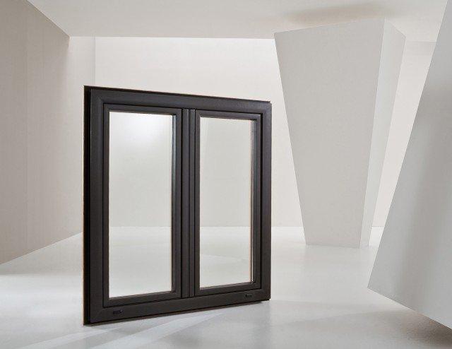 La finestra Termalmix di Gruppo EMK in alluminio-abs-legno ha trasmittanza termica di Uw fino a 0,95. A due ante, da L 120 x H 130 cm, con doppio vetro basso-emissivo, gas argon, canalina Super Spacer, Prezzo su preventivo. www.emkgroup.it