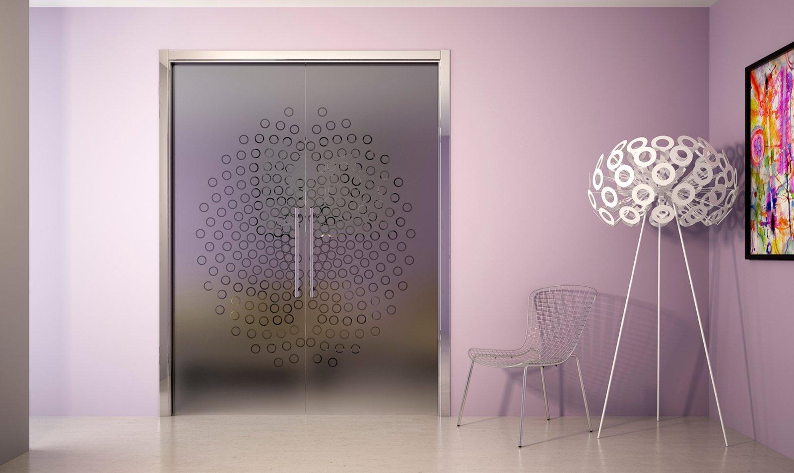 Porte e arredo i consigli su come abbinare stili e rifiniture cose di casa - Vetri decorati moderni ...