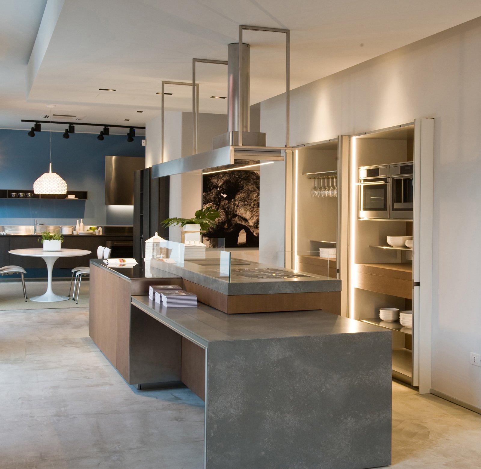 Ernestomeda nuovo showroom a bari cose di casa for Gamma mobili bari