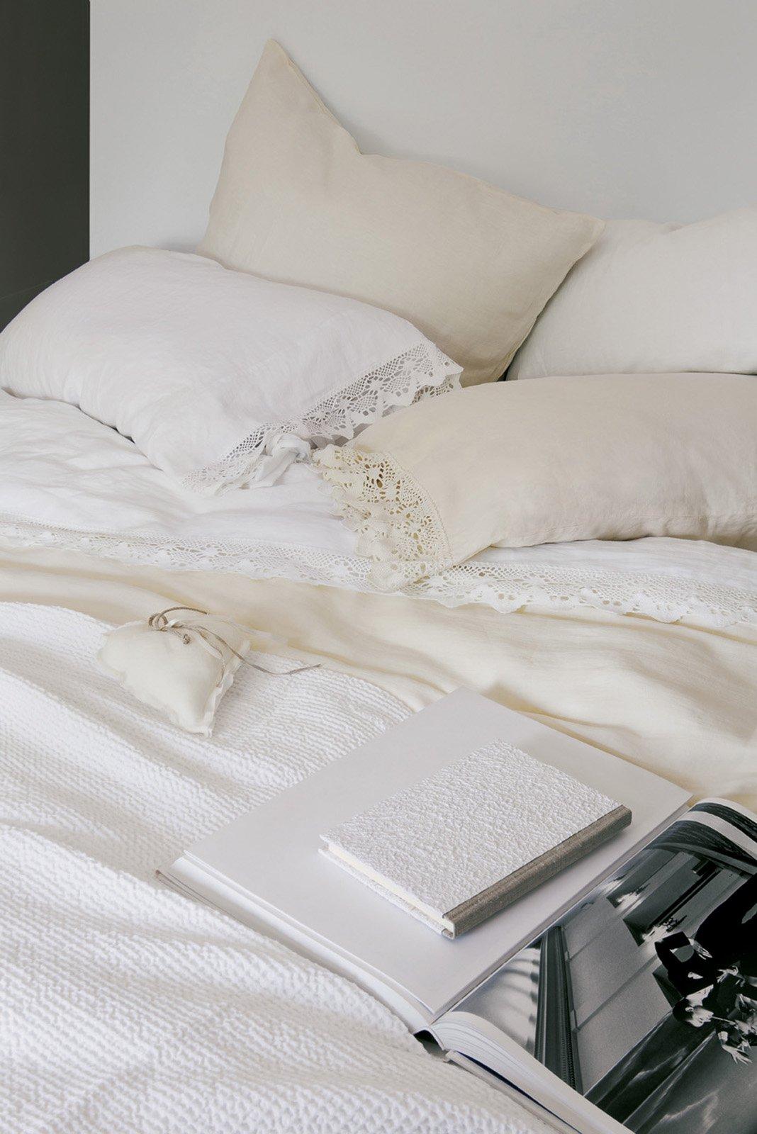 Fazzini blow lenzuola cose di casa for Ikea cuscino nuvola