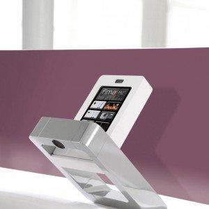 Nomos di Fima Carlo Frattini è un miscelatore elettronico con display touch screen dal quale si controllano i consumi idrici istantanei e anche passati, regolando immediatamente l'utilizzo dell'acqua. Prezzo da rivenditore. www.fimacf.com
