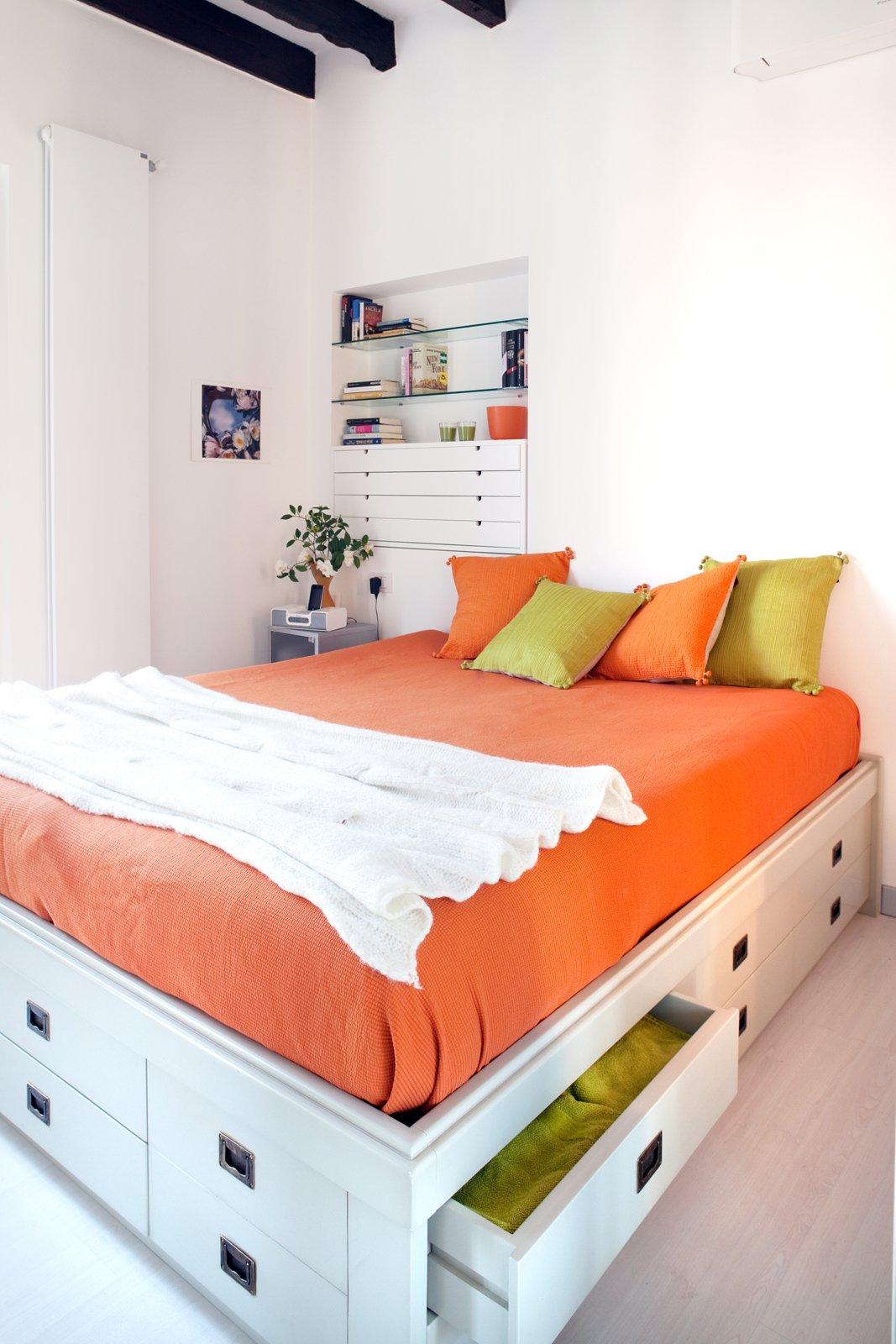 Appendiabiti a parete per camera da letto for 3 piani casa casa camera da letto