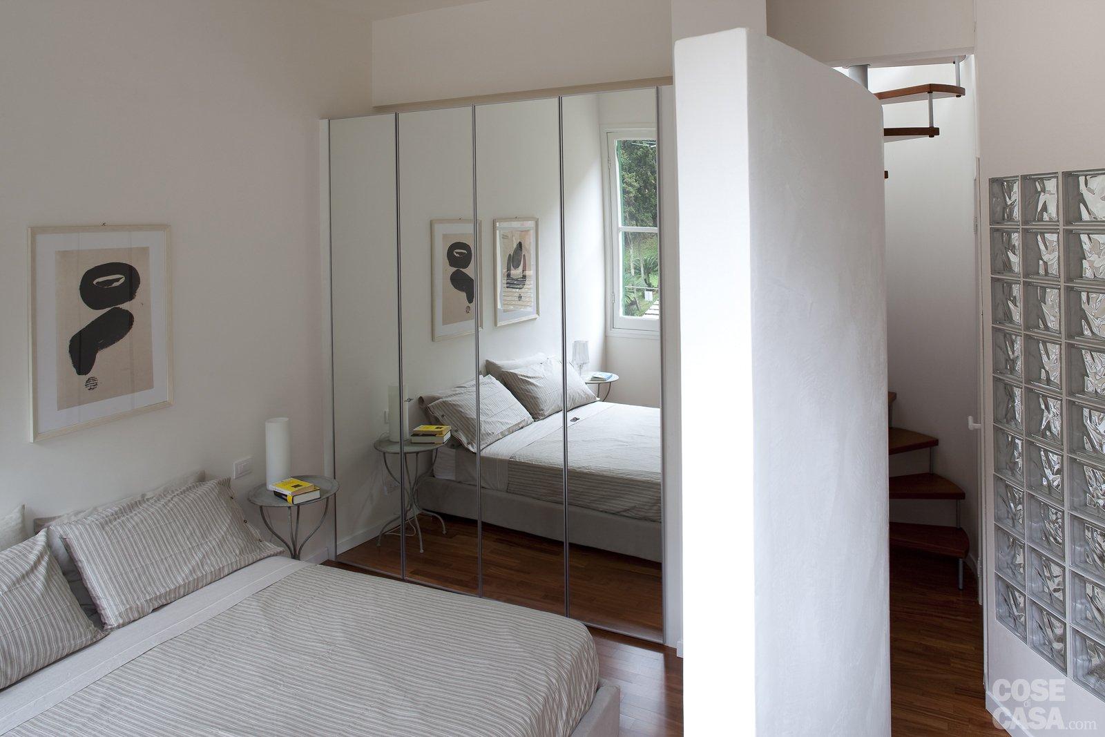 48 mq bilocale su due livelli cose di casa - Piccole camere da letto ...
