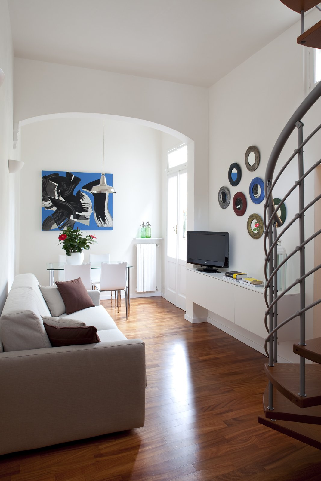 48 mq bilocale su due livelli cose di casa for A forma di piani di casa con piscina