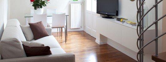 Arredamento casa 50 mq idee e progetti cose di casa for Moderni progetti di case su due livelli