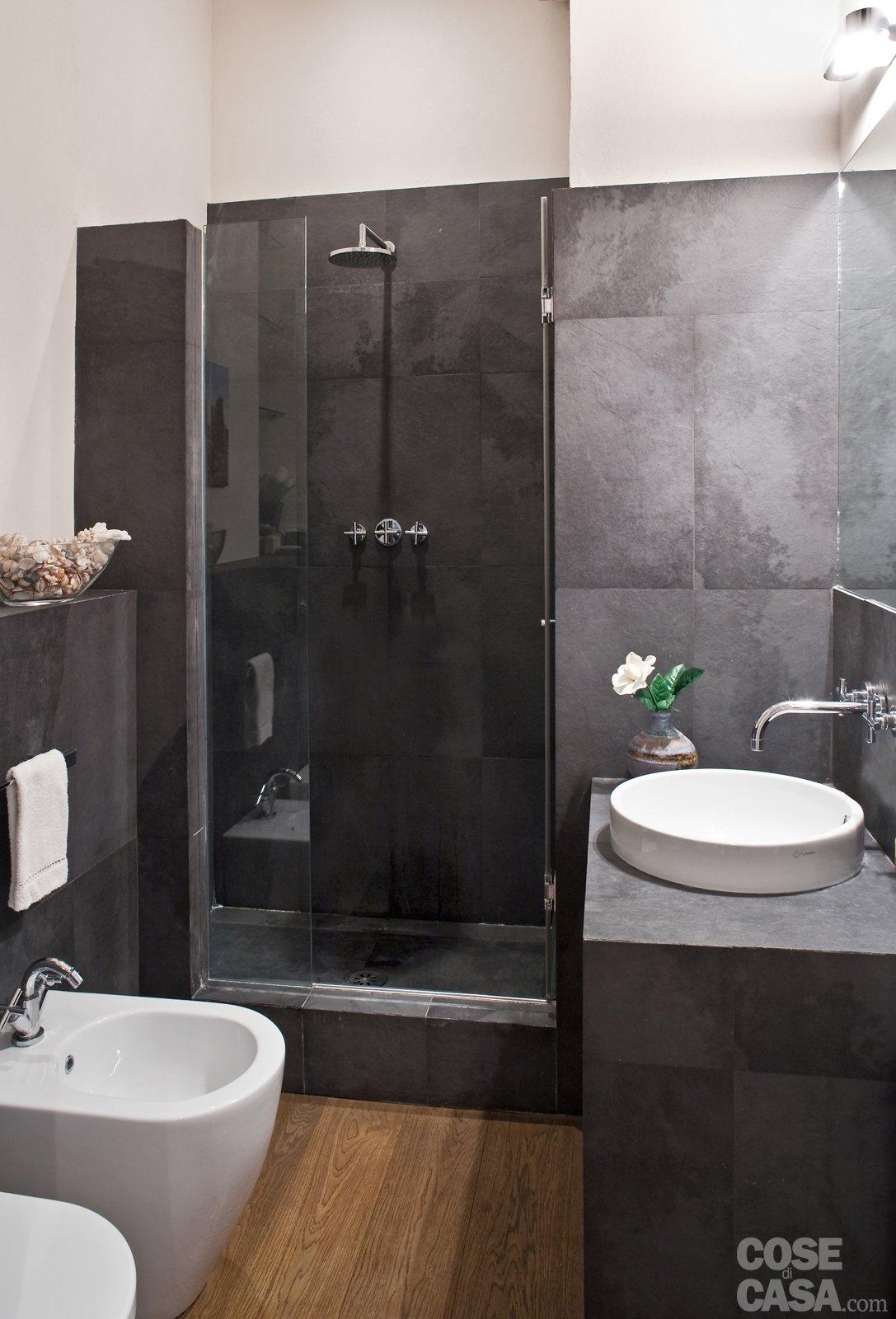 Una casa di 80 mq superfunzionali cose di casa - Bagno in muratura moderno ...
