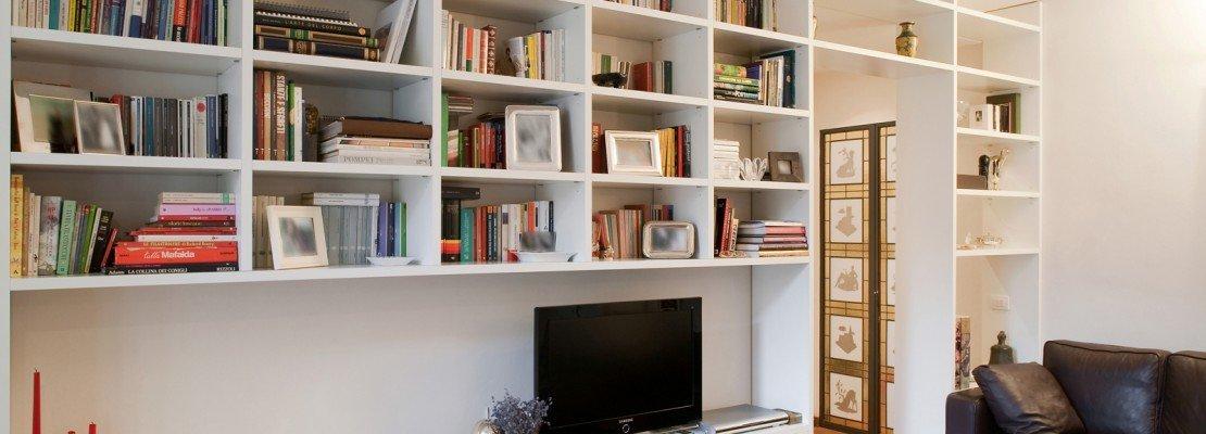 Libreria ponte divano idee per il design della casa - Libreria a ponte ikea ...