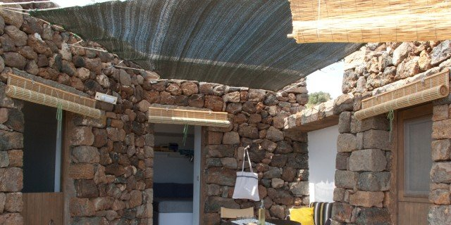 Dammuso a Pantelleria: una casa vacanza in pietra