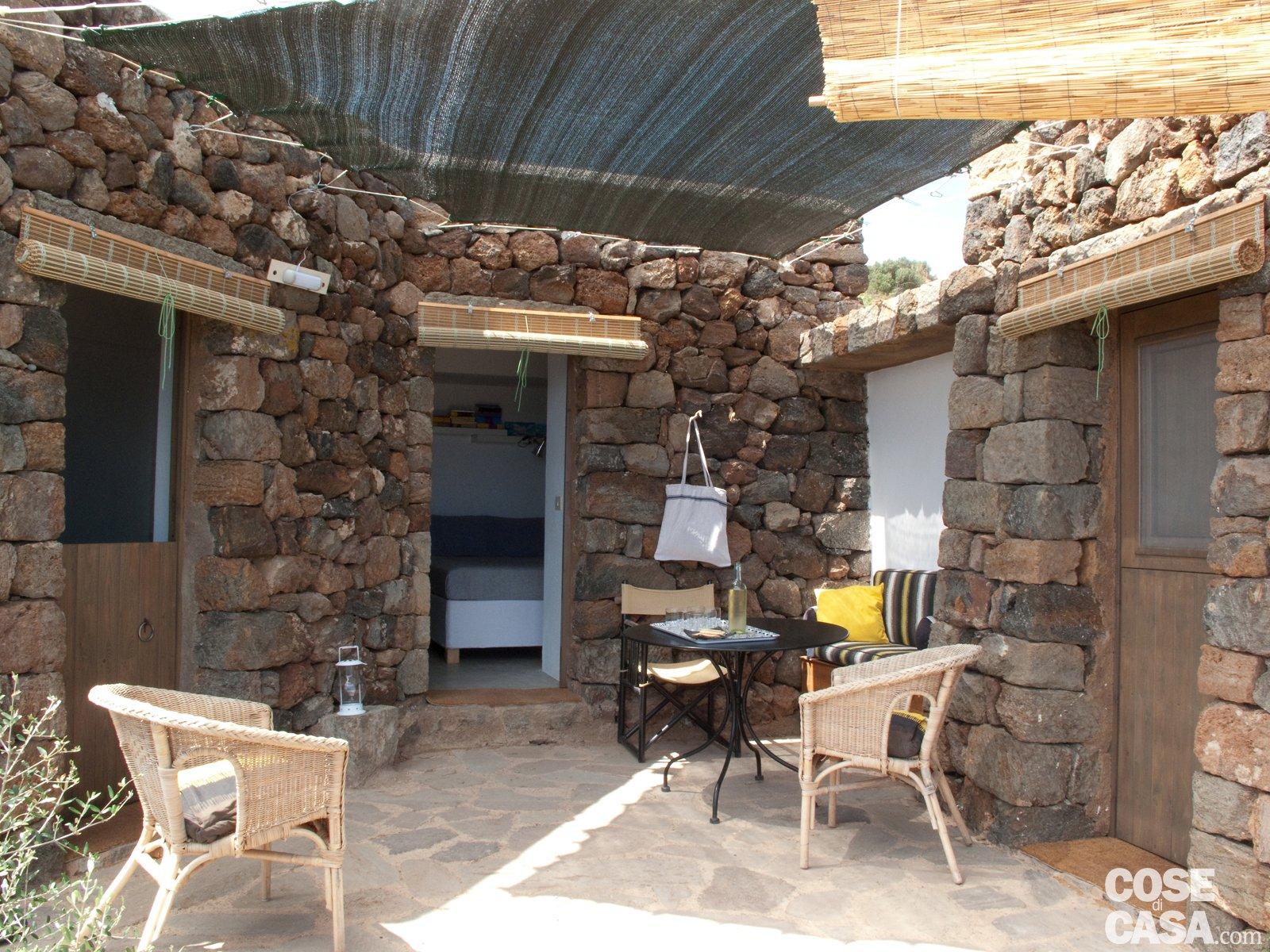 Dammuso a pantelleria una casa vacanza in pietra cose - Case in pietra interni ...