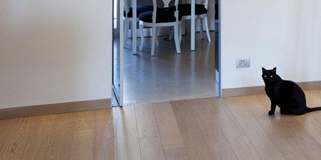 Zoccolino uguale pavimento cose di casa - Parquet sopra piastrelle ...