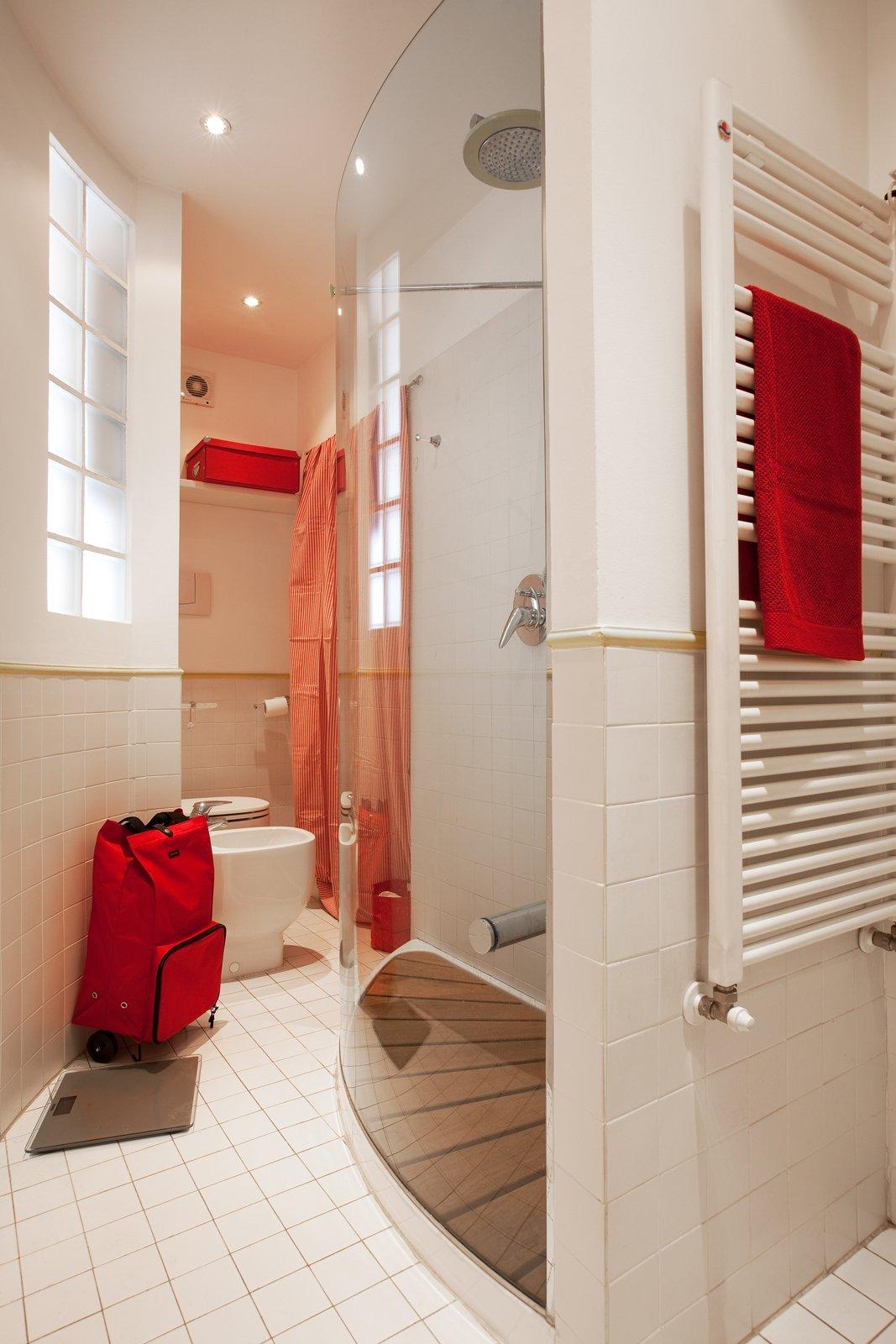 Monolocale di 25 mq con soluzioni salvaspazio cose di casa - Finestra interna per bagno cieco ...
