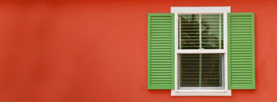 Dipingere una persiana in legno cose di casa - Dipingere la facciata di casa ...