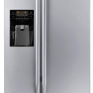 Side by side, il frigorifero  FSBS 6001 NF IWD XS A+ di Franke con volume di 604 litri ha controllo elettronico, display digitale, sistema total no frost e cella antibatterica. Il dispenser distribuisce acqua e ghiaccio. Misura L 91,2 x P74 x H 177 cm. Prezzo 3.363 euro. www.franke.it