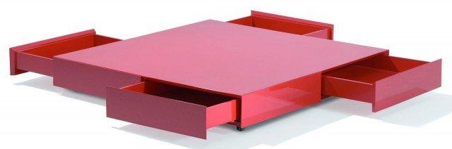 Ben 4 cassetti sotto il piano del tavolino in rovere laccato lucido con rotelle che misura L 120 x P 120 x H 20 cm e costa 1.859,77 euro Alfabeto di Futura