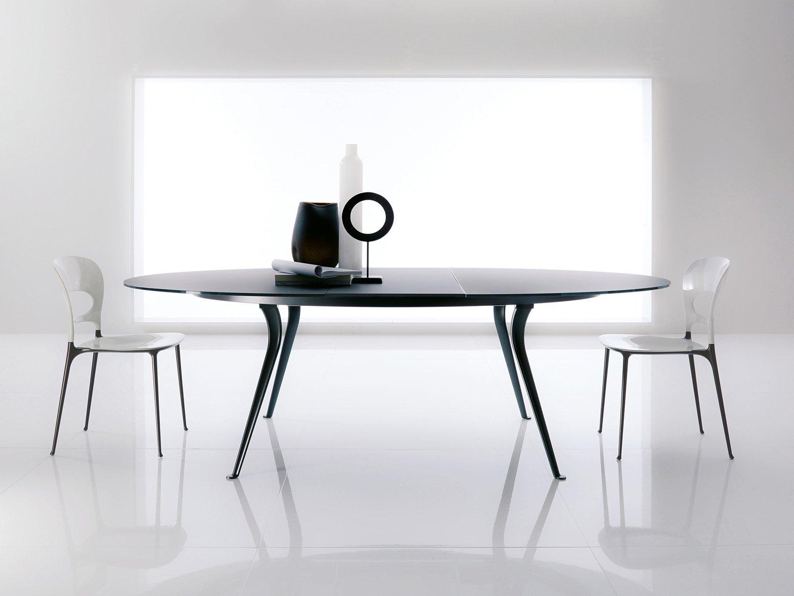 Tavoli tondo bello a volte salvaspazio cose di casa for Tavolo piu sedie