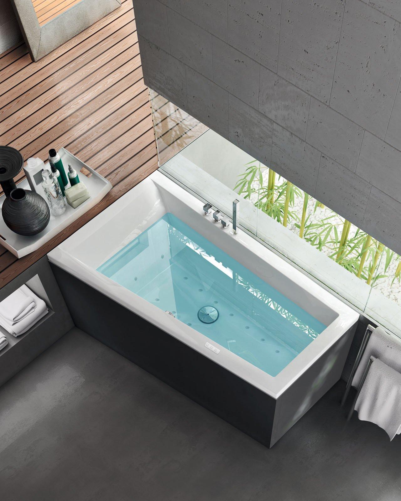 Le vasche idromassaggio cose di casa for Come costruire una vasca incassata