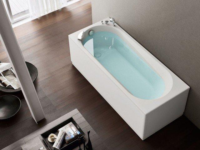 Nova di Hafro è la vasca autoportante in acrilico che esiste anche compatta da 120x70 e addirittura in versione angolare. Prezzo da rivenditore. www.hafro.it