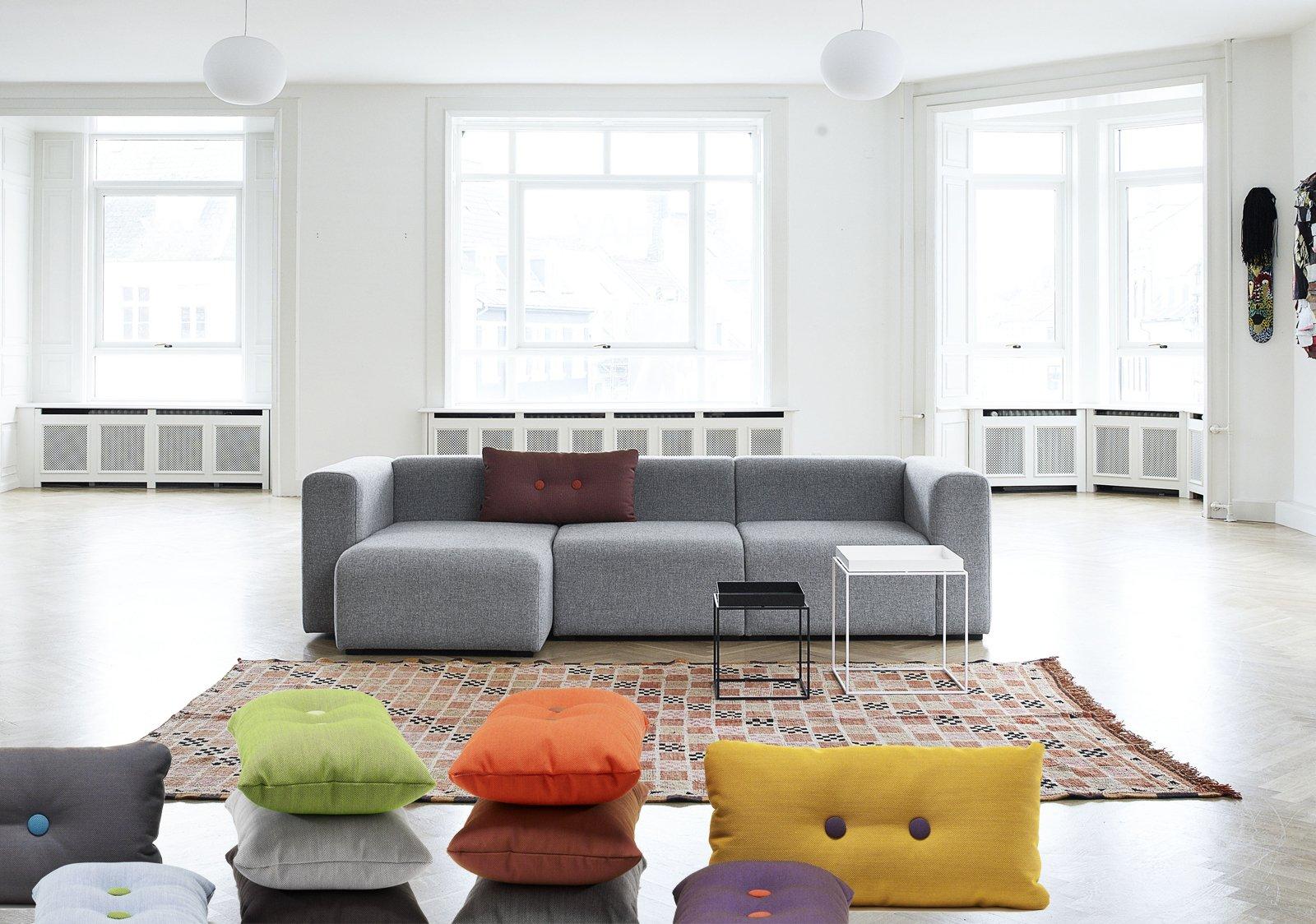 Cuscini per cambiare look alla casa cose di casa - Cambiare rivestimento divano poltrone e sofa ...