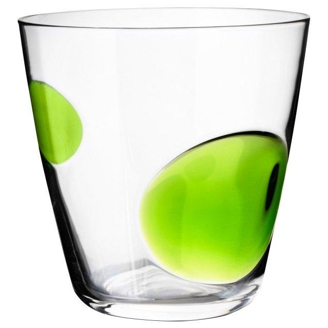 Vetro riciclabile per il bicchiere in vetro Fabulös di Ikea. Disponibile in 3 colori. Lilla, azzurro e verde. Prezzo 2,50 euro. www.ikea.com/it/