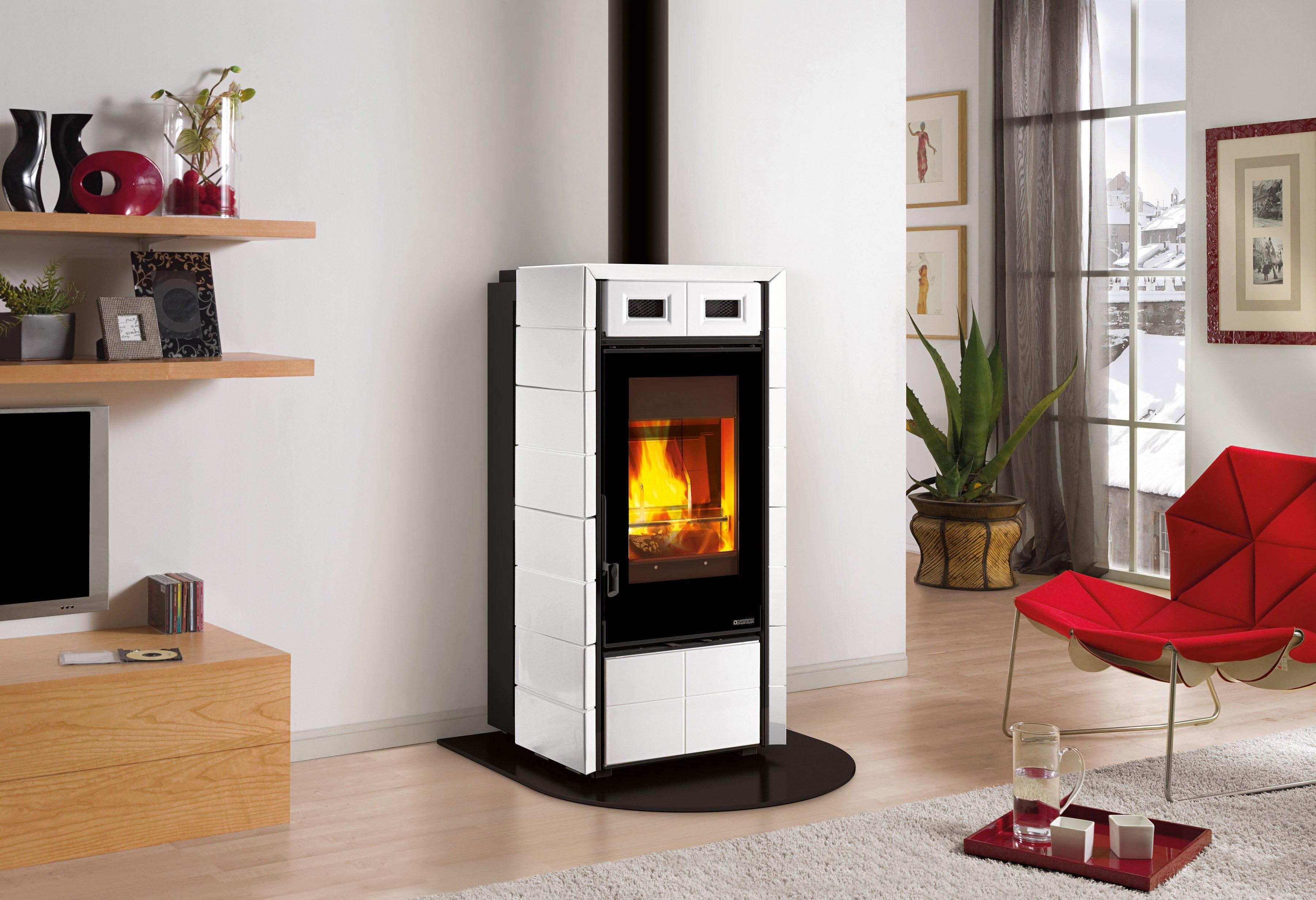 Camini e termocamini quali prezzi e caratteristiche cose di casa - Stufa a pellet per termosifoni prezzi ...