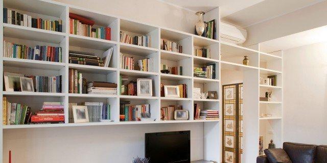La libreria con i passaggi cose di casa - Librerie da camera ...