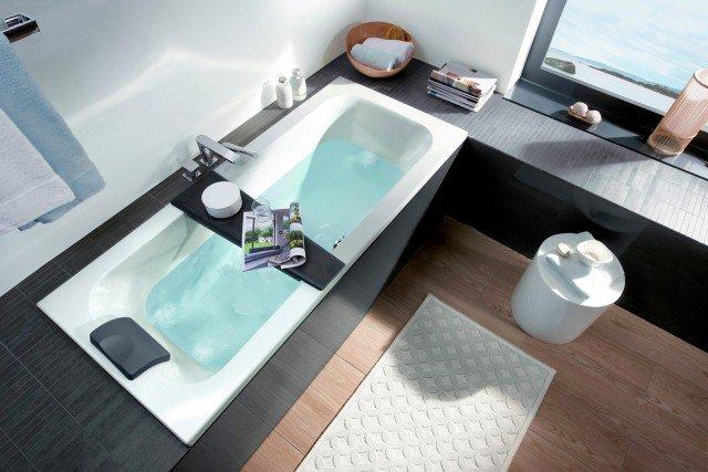 È in acrilico la vasca a incasso che esiste anche da L 160 x P 70 cm e costa 620 euro  Loop & Friends di Villeroy&Boch