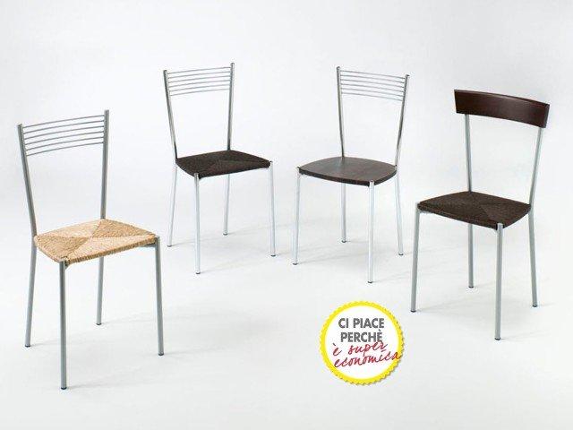 IN CUCINA. La sedia Elegance di Mondo Convenienza è caratterizzata dalla struttura in metallo cromato satinato, e seduta in paglia o legno color wengé. Misura L40xP35xH72 cm. Prezzo 18 Euro. www.mondoconv.it