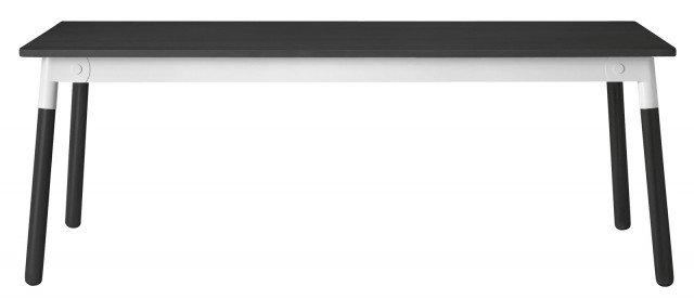 Muuto (design Taf Architects) di Muuto è una divertente rivisitazione del classico tavolo scandinavo in legno: linee chiare e pulite con un dettaglio originale che costituisce tutta la sua modernità. La giunzione tra piano e gambe è in metallo laccato. Un piacevole mix di materiali e di colori, per uno stile ibrido e attuale. Disponibile in numerose combinazioni di colori e 3 differenti di piani, da associare secondo i propri gusti a 3 colori della struttura in metallo. Il piano (coordinato ai piedi) è disponibile in faggio naturale, faggio verniciato bianco e faggio verniciato nero. La struttura in metallo è disponibile in verde, bianco o nero. Misura L 200 x P 90 x H 73 cm. Prezzo 1.595 euro. www.finnishdesignshop.it/Muuto - www.madeindesign.it