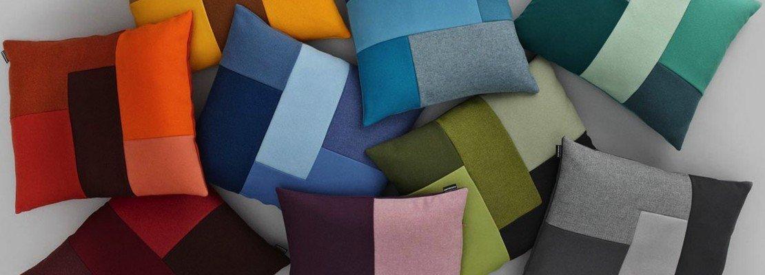Cuscini per divano blu idee per il design della casa - Federe cuscini divano ikea ...
