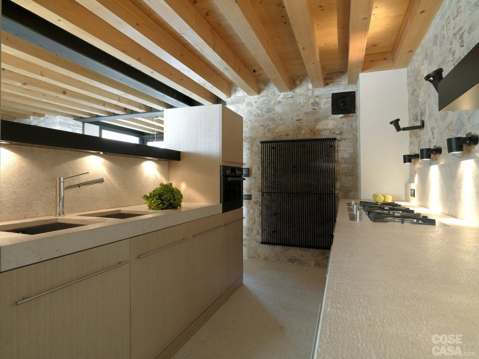 Amato Legno e pietra a vista nella casa restaurata - Cose di Casa XC47
