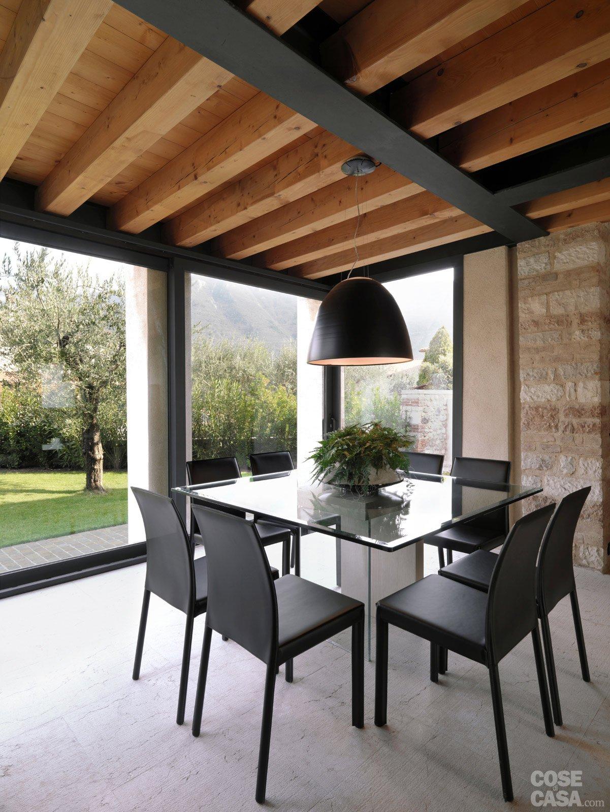Arredamento Moderno Con Travi In Legno : Legno E Pietra A Vista Nella  #6E4224 1201 1600 Come Arredare Cucina Con Travi A Vista