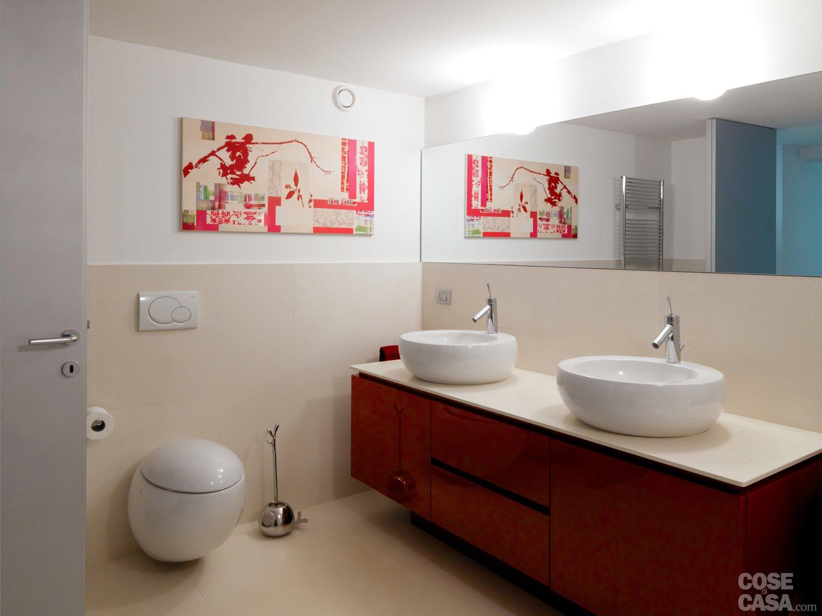 48 una casa su due piani da un ex garage cose di casa lampadari per bagno