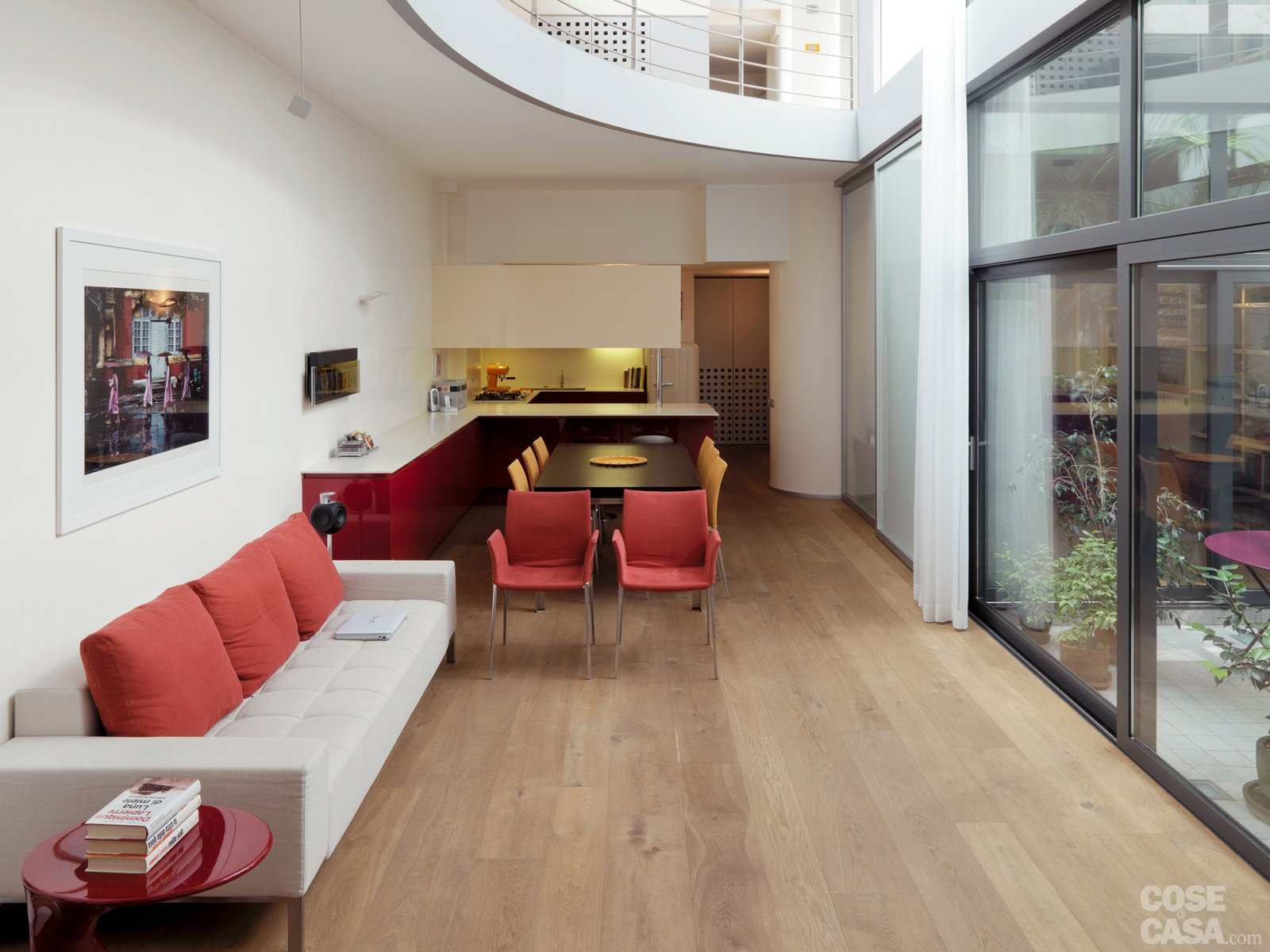Una casa su due piani da un ex garage cose di casa for Piani di casa da sogno