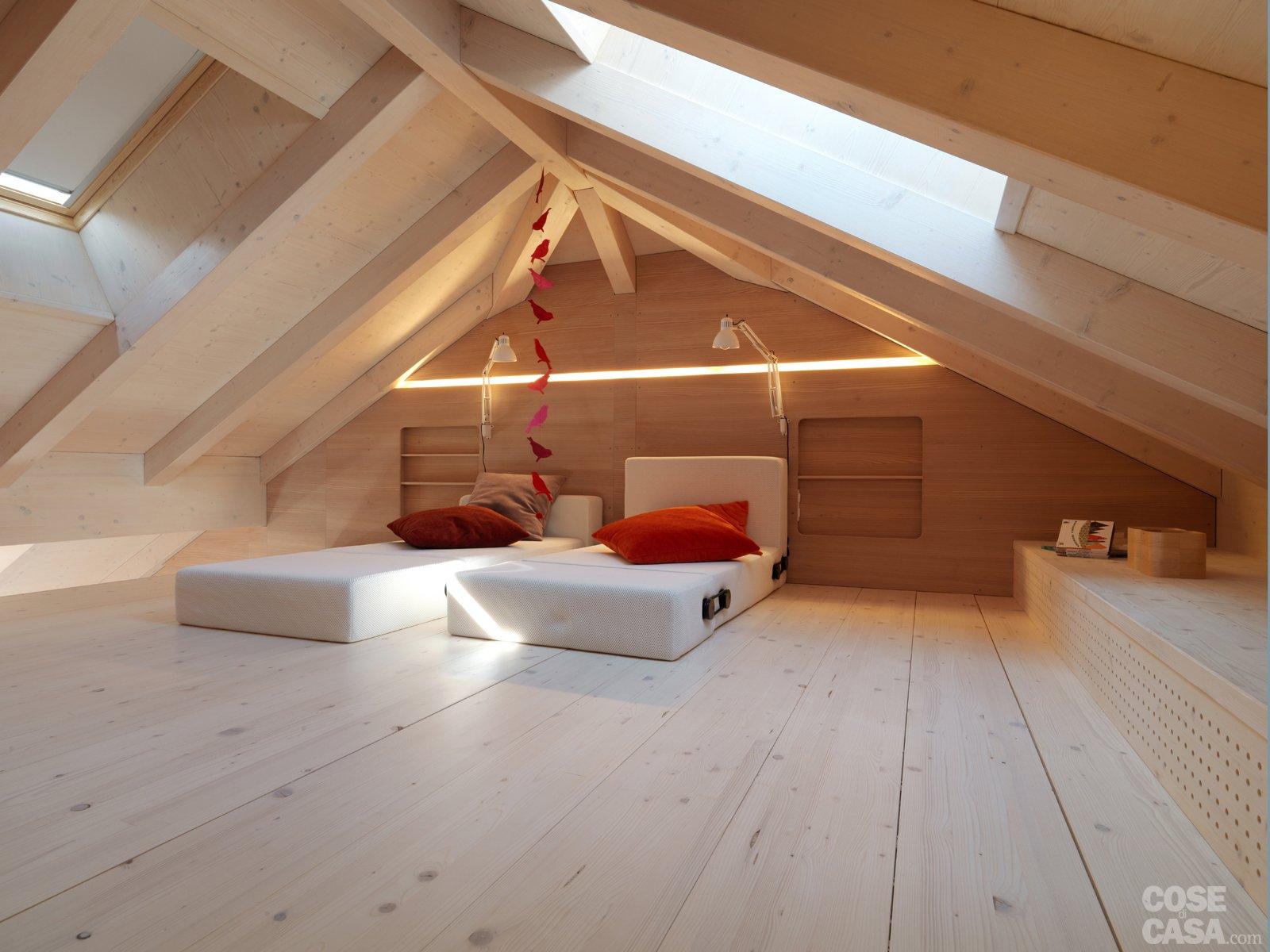 Casa di montagna sfruttata al centimetro cose di casa - Come arredare una scala interna ...