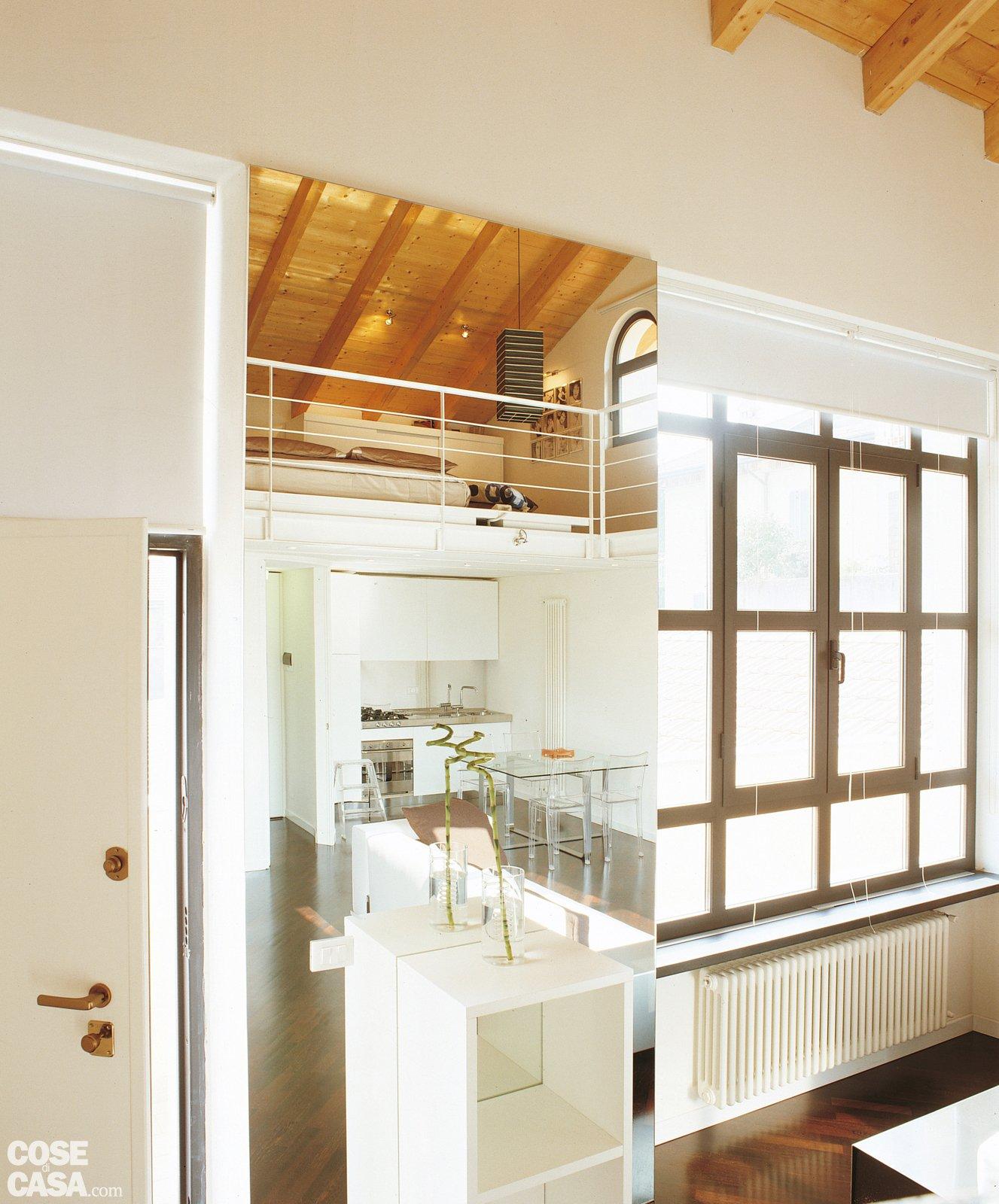 Una casa a doppia altezza con soppalco di 70 mq cose di casa for Disegni di casa piano aperto