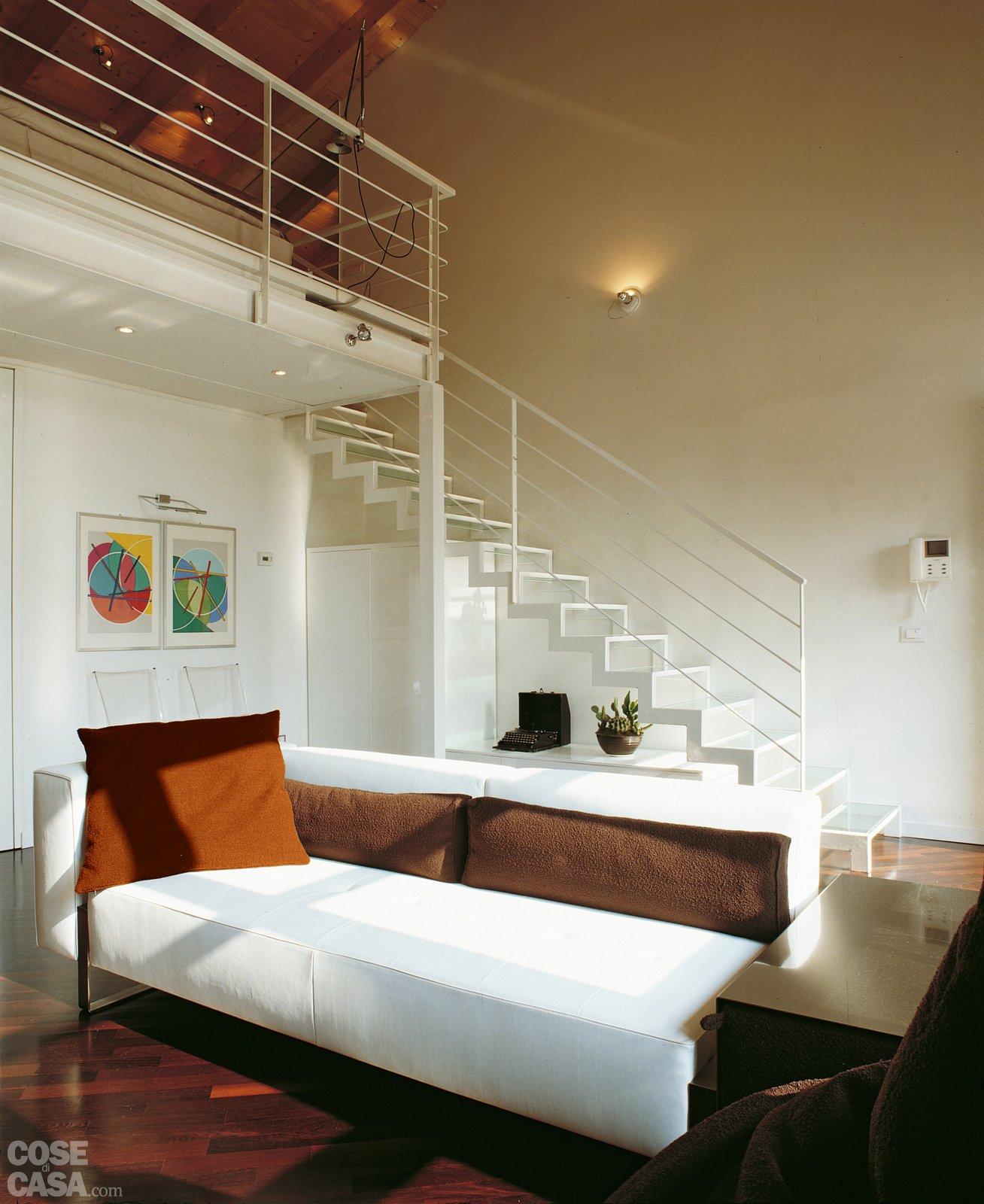 Parete Soggiorno 3 Metri : Una casa a doppia altezza con soppalco di mq cose