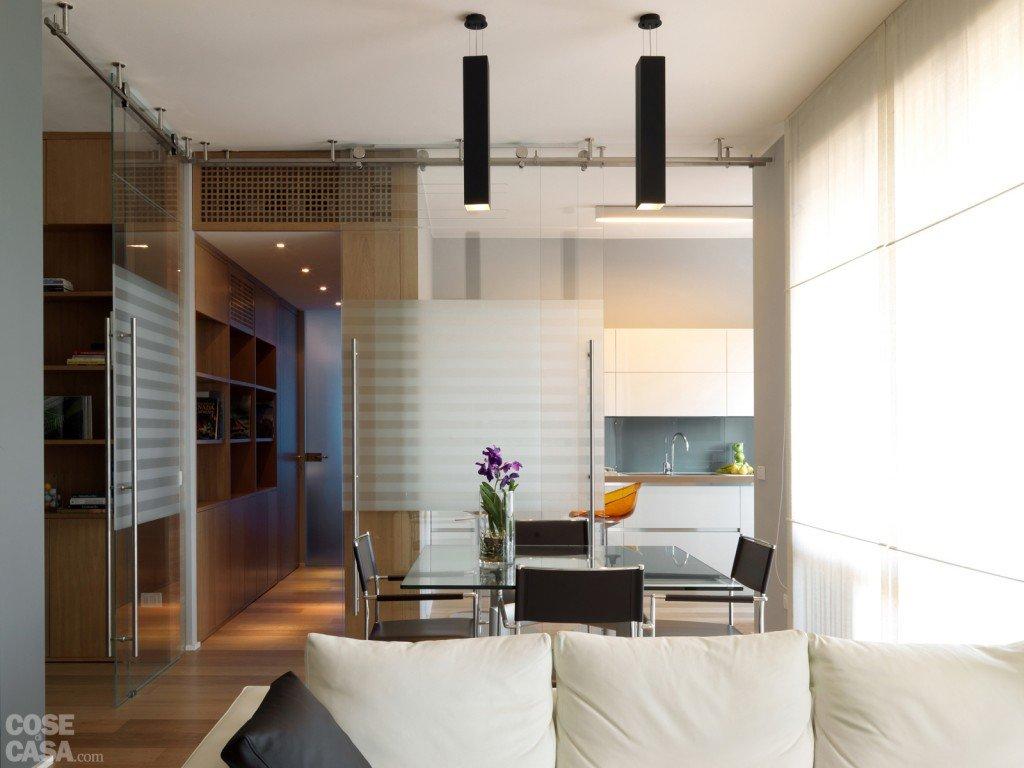 Salone Mansarda Con Rete E Camino : Una casa con nuova articolata distribuzione cose di