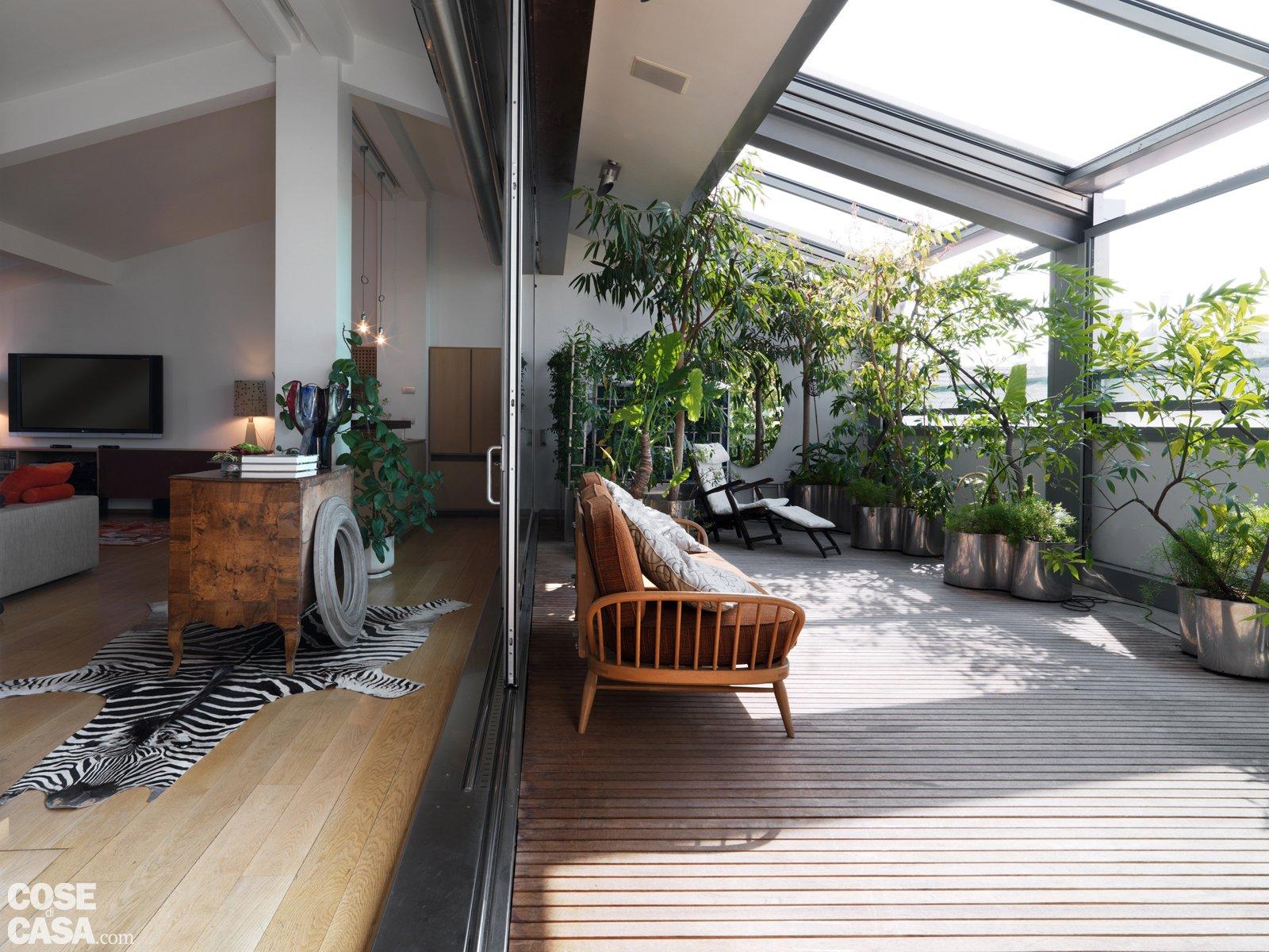 Un sottotetto con terrazzo aperto o chiuso a seconda delle necessità ...