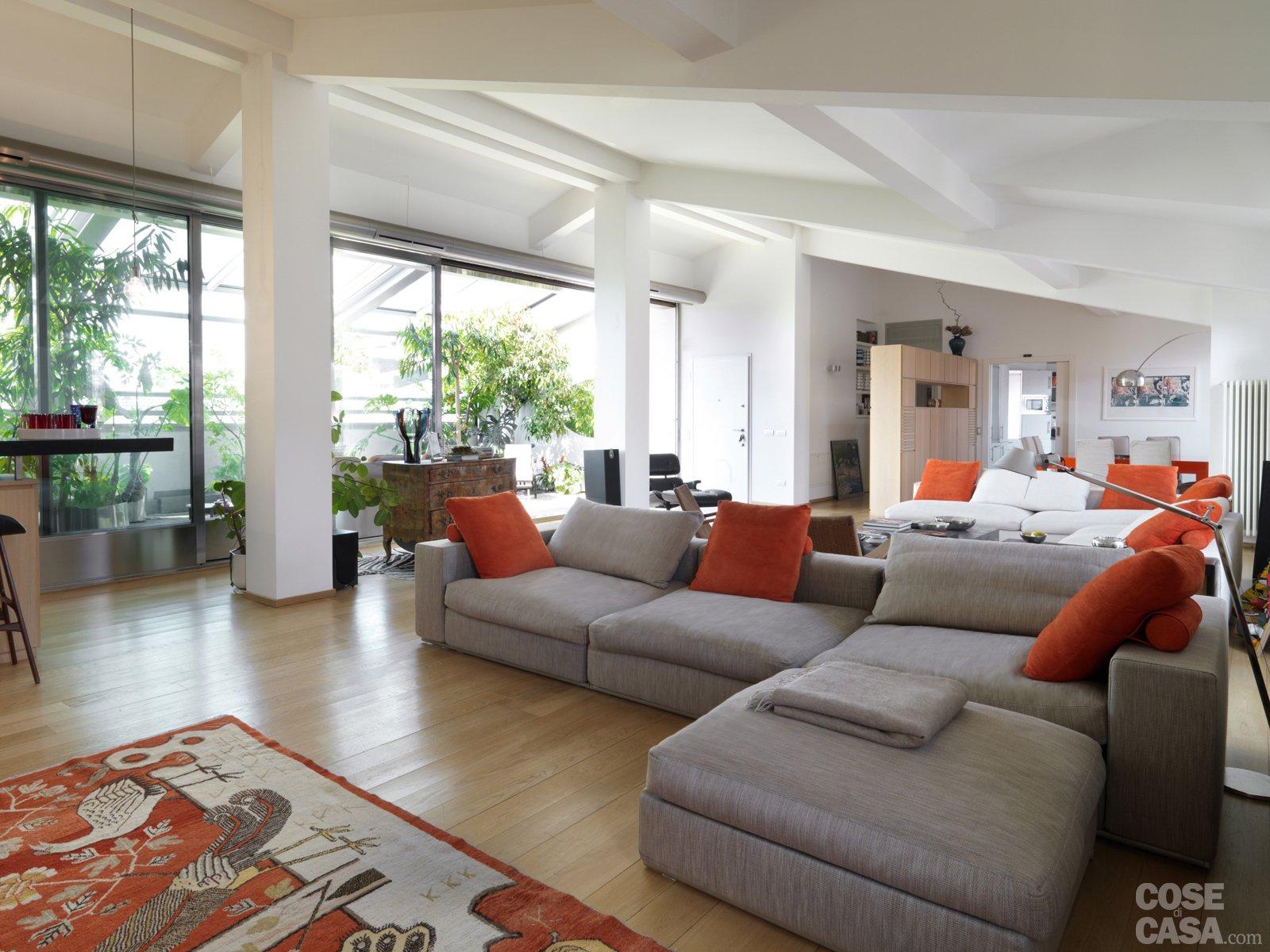 Protagonisti travi e pilastri cose di casa for Cucina open space con pilastri