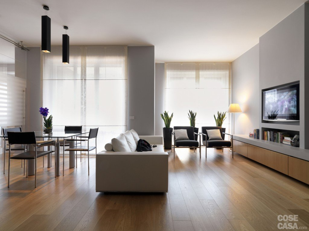 Una Casa Con Una Nuova Articolata Distribuzione Cose Di Casa #614A34 1024 768 Sala Da Pranzo Legno Massello
