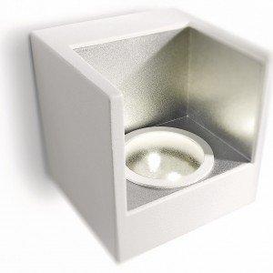 Assicura luce bianca calda l'applique ledino 69086/31/16 di Philips in alluminio laccato bianco. Misura L 9,5 x P 9 x H 9,5 cm. Prezzo 89,90 euro. www.philips.it